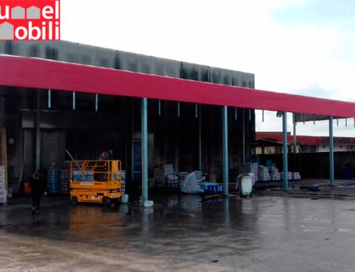 Una tettoia industriale per la logistica dell'azienda Menichini S.r.l.